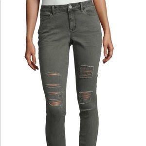 Pants - Ana green pants 👖